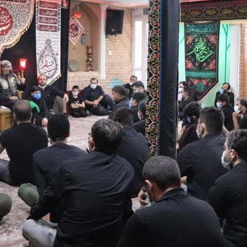 گزارش تصویری از سخنرانی حجت الاسلام موسوی مطلق در ظهر عاشورای حسینی سال ۹۹ - روضه رضیع الحسین (ع)