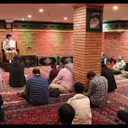 گزارش تصویری سخنرانی حجت الاسلام سیدعباس موسوی مطلق در شب دوم ماه مبارک رمضان ۱۴۰۰